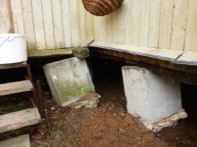 Что делать, если нужен свайно-ленточный фундамент для дома, да ещё и своими руками? Станет не сложно после прочтения статьи