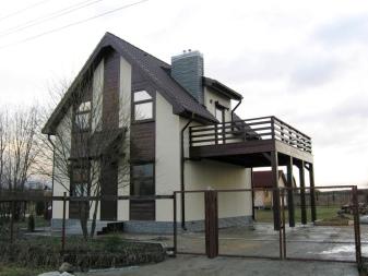 фото домика балкон дачного