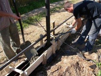 Кованые заборы (59 фото): ажурное ограждение для частного дома, как выбрать изделие с ковкой и поликарбонатом
