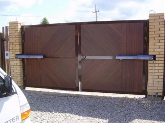 Петли для ворот - виды и крепление: как правильно приварить, регулируемые и кованые металлические изделия для деревянных конструкций