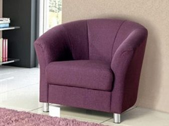 Кресло в гостиную (38 фото): современные и стильные модели, маленькие классические кресла, красивые примеры в интерьере