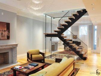 Балясины из металла (43 фото): металлические ограждения лестницы, установка моделей из железных труб своими руками
