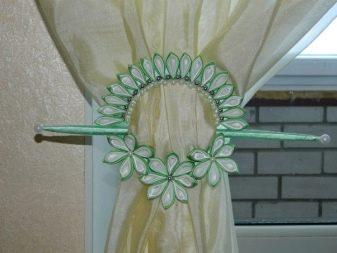 Зажимы для штор (41 фото): декоративные металлические прищепки-канзаши для занавесок