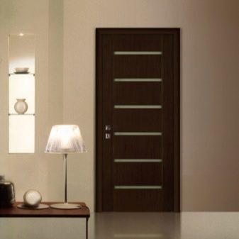 Как выбрать цвет межкомнатных дверей 37 фото Как подобрать для светлого пола и темных дверей в интерьере квартиры советы дизайнеров