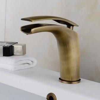 Смесители - бронза: бронзовые варианты для раковины в ванной комнате и для хамама, античные модели и классика, смесители Zorg 2 в 1