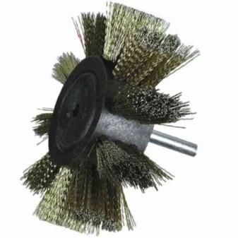 Щетка на дрель для снятия ржавчины