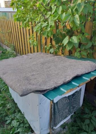 Подробная инструкция, как утеплить будку для собаки на зиму своими руками