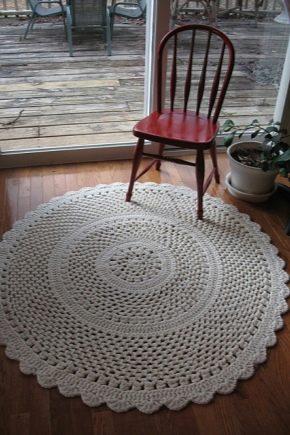 Украшаем дом ковром из шнура, вязаного крючком