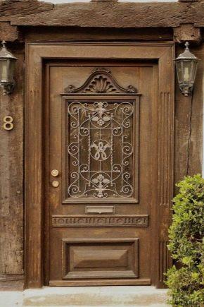 Как установить деревянные двери?