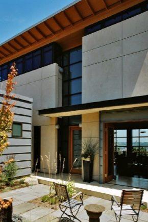 Отделка фасада частного деревянного дома