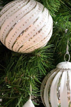Разновидности и особенности стеклянных елочных шаров