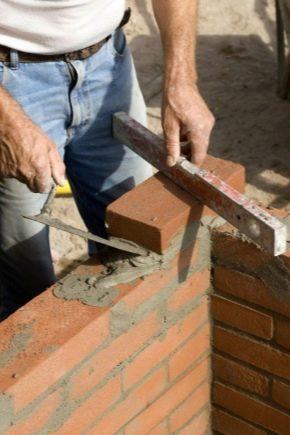 Приспособления для кладки кирпича: шаблоны и инструменты