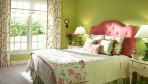 Какие шторы подойдут к зеленым обоям?