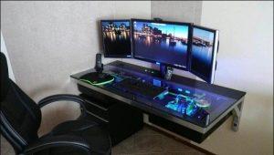Компьютерные столы маленького размера