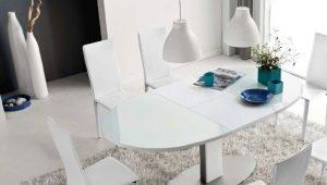Стеклянные раскладные столы в интерьере