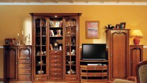 Как выбрать мебель из массива дерева для гостиной?