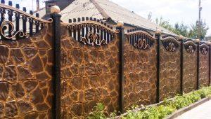 Секционный забор: преимущества и недостатки