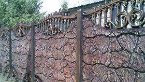 Забор из камня: особнености конструкций и красивые варианты оформления