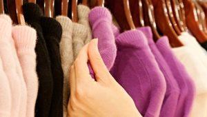 Как убрать клей «Момент» с одежды?