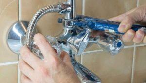 Ремонт смесителя в ванной: поломки переключателя на душ