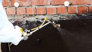 Гидроизоляция стен изнутри и снаружи: виды и особенности