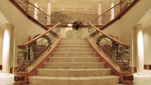 Лестницы из мрамора: особенности материала и дизайн