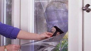 Защита от зноя: выбираем зеркальную пленку на окна