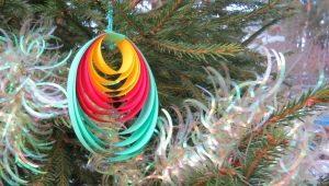 Как сделать игрушки на елку своими руками?