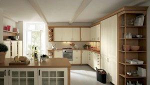 Варианты дизайна угловой кухни с пеналом