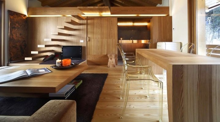Чем покрыть деревянные полы в доме