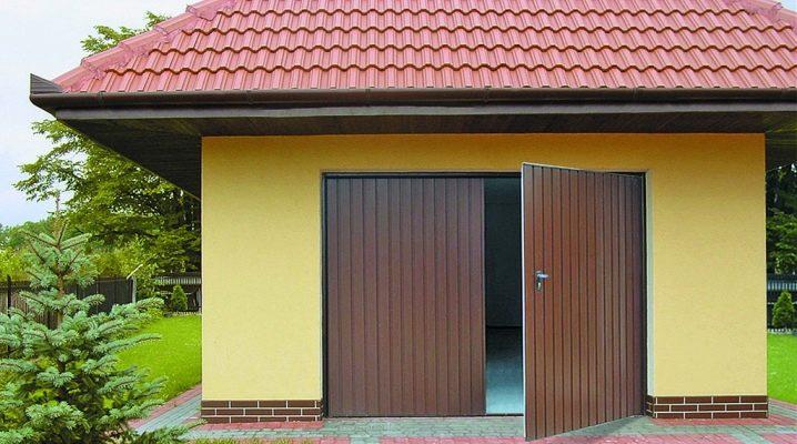 Тонкости выбора гаражных распашных ворот