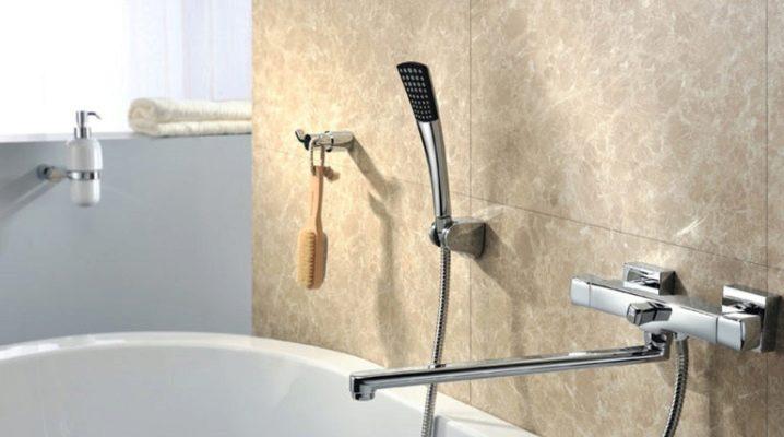 Варианты моделей и устройство смесителей для ванны с длинным изливом