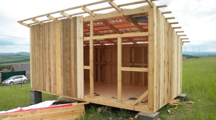 Как и из чего построить сарай?
