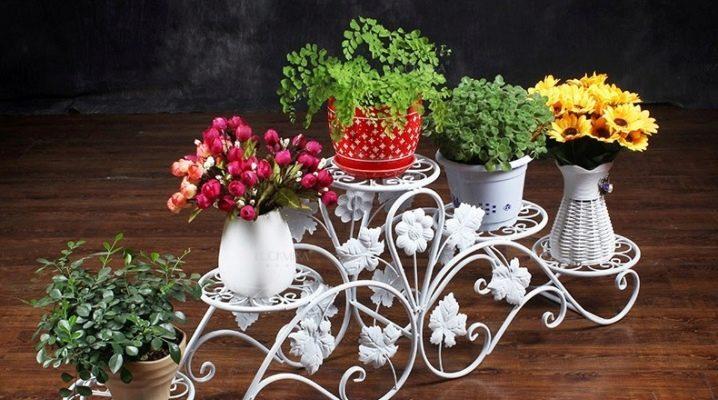 Как выбрать кованую напольную подставку для цветов?