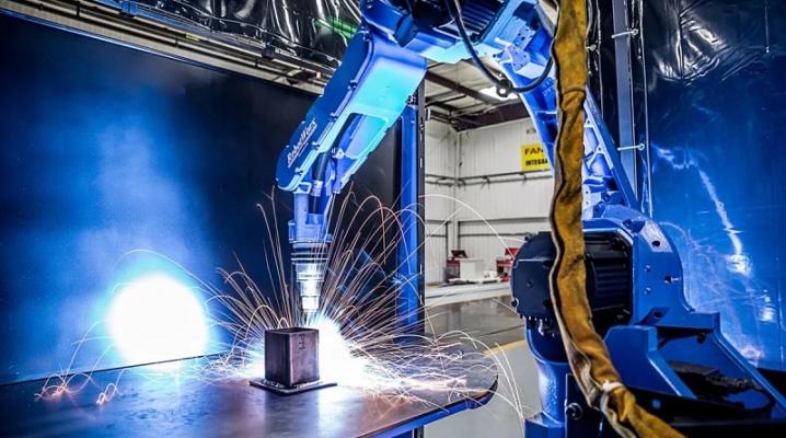 Описание и применение роботов для сварки
