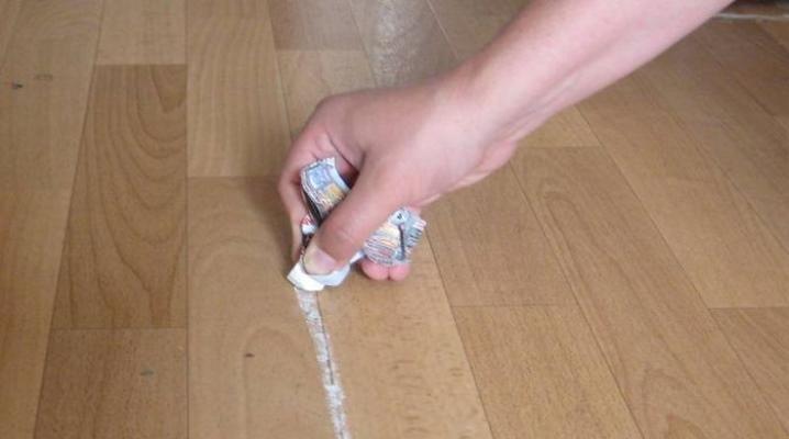 Мелок от клопов; Машенька серебряная: помогает или нет карандаш? Состав средства и инструкция по применению, отзывы пользователей