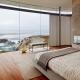 Дизайн спальни с панорамным, двумя или тремя окнами