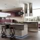 Современные стулья в интерьере кухни