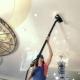 Как помыть глянцевый натяжной потолок в домашних условиях?