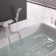 Белые смесители для ванной: особенности выбора