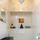 Полки в туалете за унитазом: оригинальные идеи дизайна