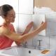 Чем приклеить плитку в ванной, если она отвалилась?