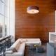 Использование стеновых панелей под дерево: модные идеи дизайна