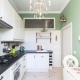 Окно между ванной и кухней в «хрущёвках»: предназначение и варианты оформления