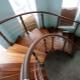 Выбираем поручни для лестниц: разнообразие форм и материалов