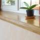 Практичны ли деревянные подоконники и как они смотрятся в интерьере?