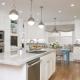 Особенности освещения кухни-гостиной