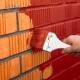 Как покрасить кирпичную поверхность?