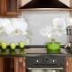 Фартук для кухни из пластика: особенности, виды и советы по монтажу