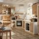 Двухцветные кухни: выбор и примеры в интерьере
